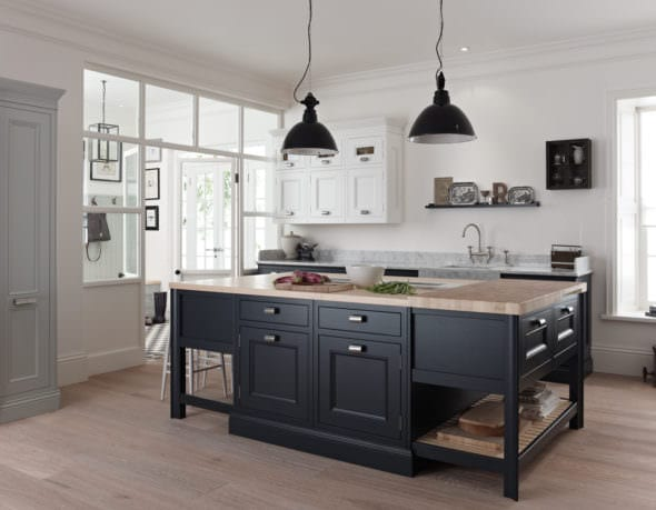 half pencil and scalloped worktop